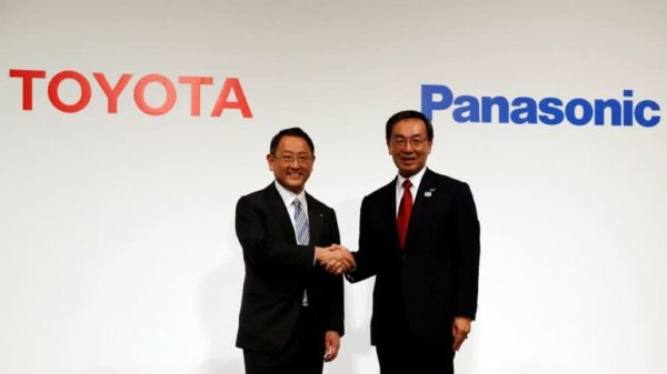 Toyota Charges Into Electric Car Race With Panasonic Tie-Up